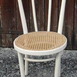 chaise bois courbé moulé blanche face