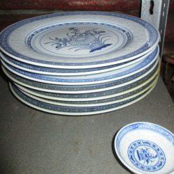 assiettes plates chine étagère
