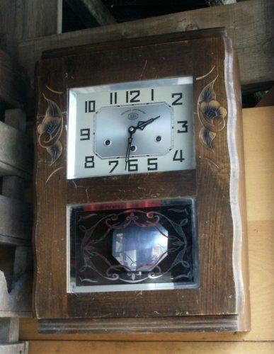 carillon westminster de chez jura. Black Bedroom Furniture Sets. Home Design Ideas