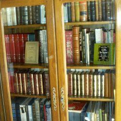 bibliothèque camif fermée pleine