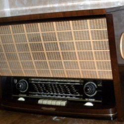 radio voix de son maitre biais droit
