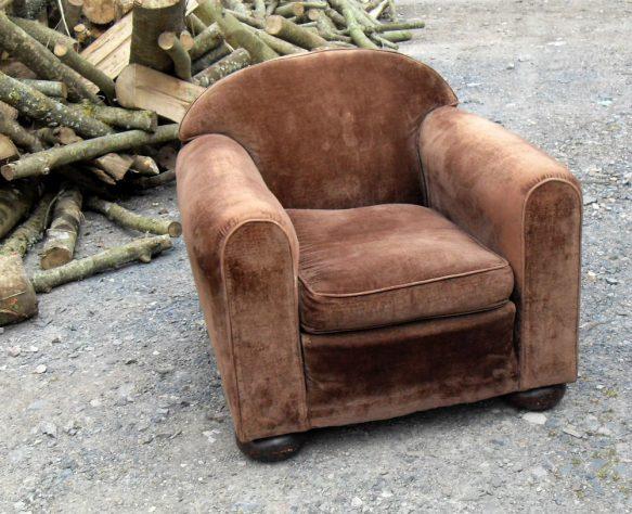 fauteuil club en velours. Black Bedroom Furniture Sets. Home Design Ideas